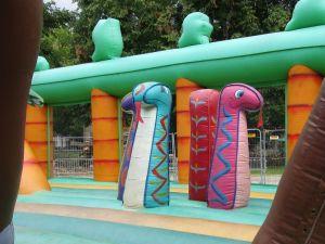 Freizeitpark : Letzter Tag Hüpfburgenland bei Regen